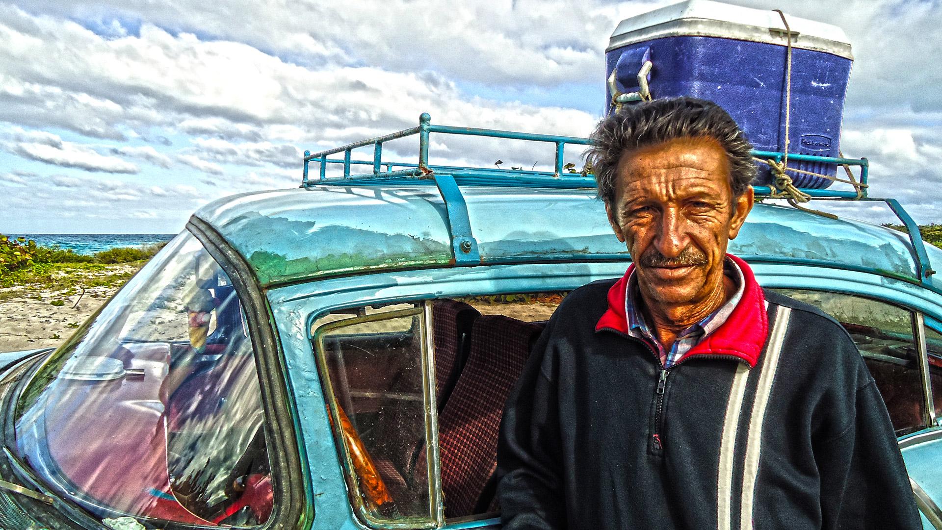 VIVIR Y MORIR (LA HABANA. CUBA)