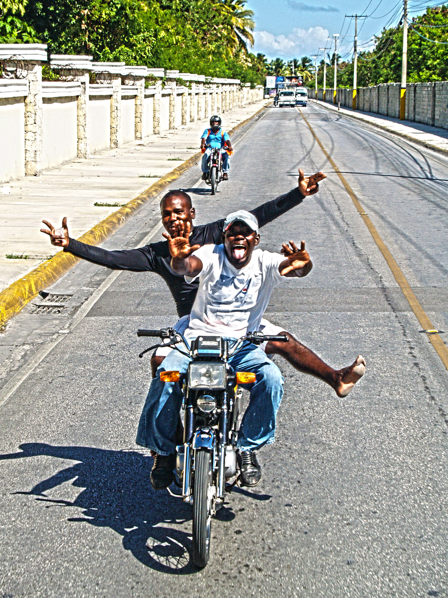 FELICIDAD SOBRE RUEDAS (PUERTO RICO)